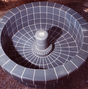Fontaine en Grès Cérame de 10x10 posé sur Béton ferraillé.